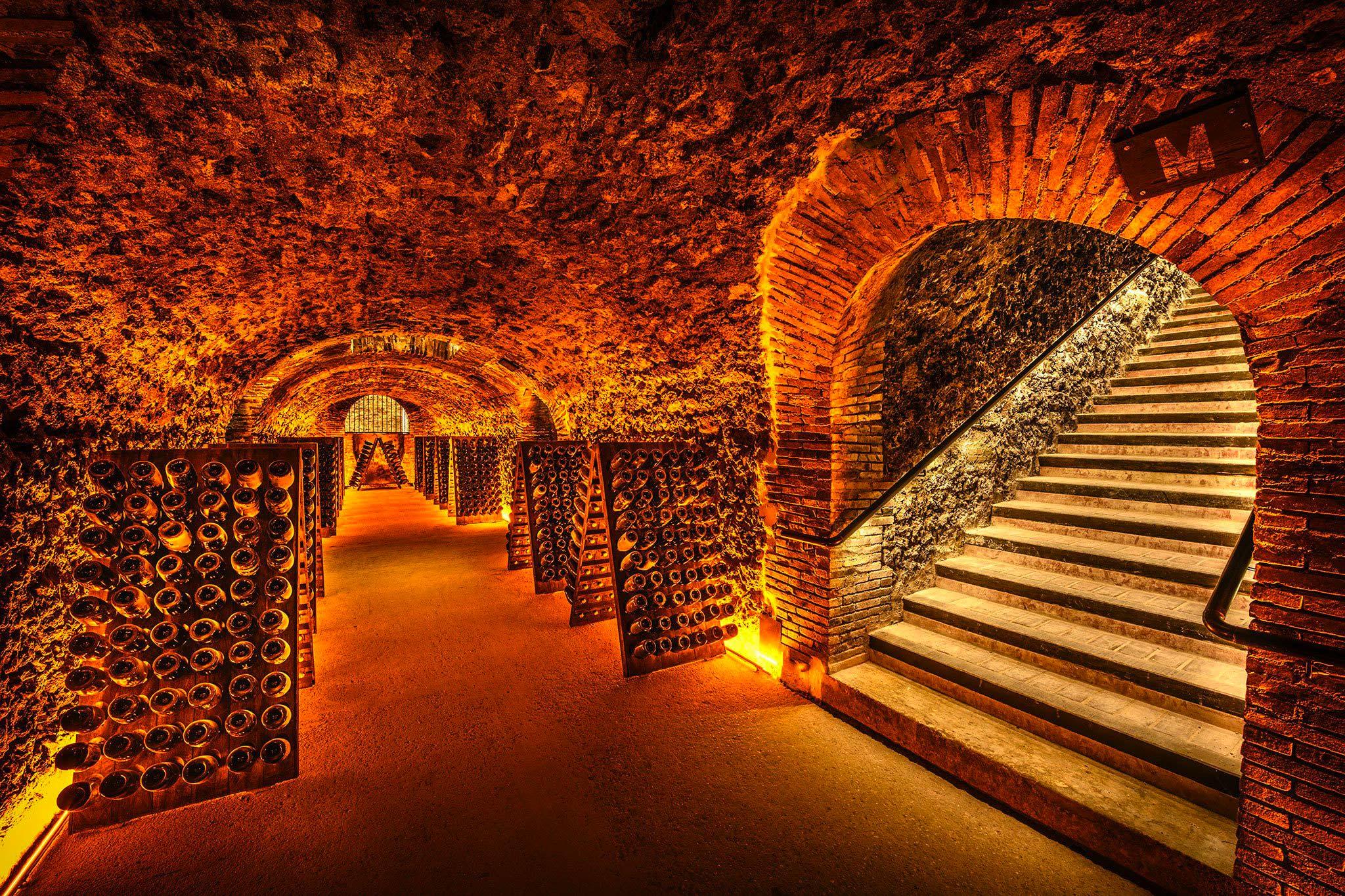 Bookings - Champagne Boizel - Epernay France